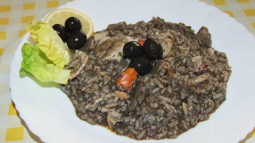 Crni rižoto od plodova mora - gotovo jelo 2
