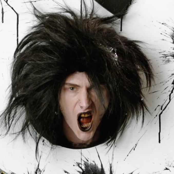 Machine Gun Kelly Papercuts ft. Travis Barker
