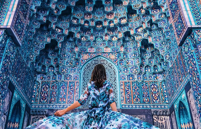 This Photographer Clicks Women In Gorgeous Dresses Against Stunning Backdrops And It's Surreal