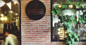 Favour Cafe'  เสน่ห์ร้านกาแฟที่ซ่อนอยู่ ณ ท่ามหาราช 1