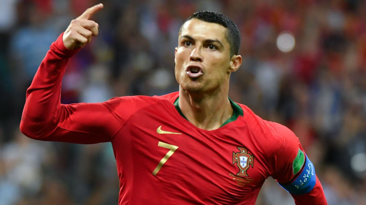 Real Madrid offered €100 million + star striker for Ronaldo
