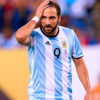 Watch: Higuain shuts down his Instagram page