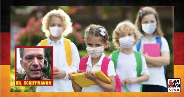 V Německu prý umírají děti kvůli tomu, že nosí roušky. Doktor se ve videu rozplakal a vyzval rodiče, aby ihned vyšli do ulic. Oficiálně: Důvod úmrtí neznámý. Média to označují za podvrh.