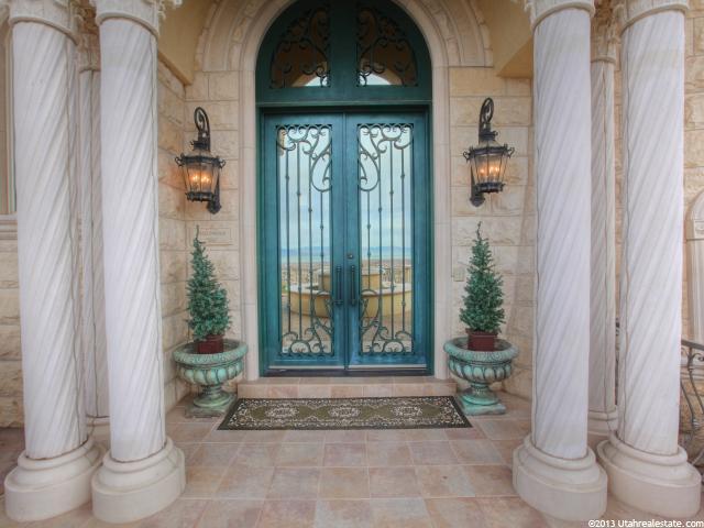Front entrance of fancy Lindon, Utah home
