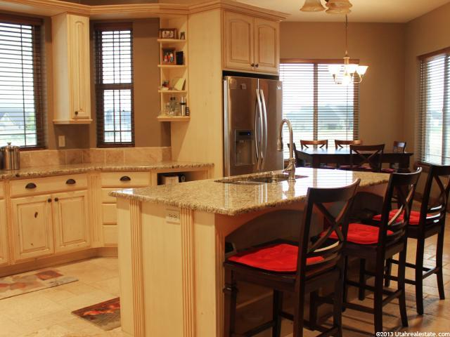 Highland, Utah featured kitchen