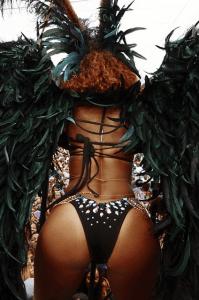 Rihanna-Crop-Over-8