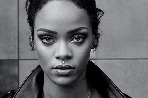 Rihanna-nose-ring-black-and-white-Instagram-2015-Anti-Bitch-Betta-Have-My-Money