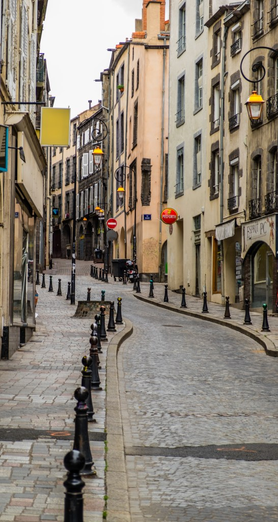 The Rue du Port leads down to Place Delile - Photo © 2016 Richard Alexander