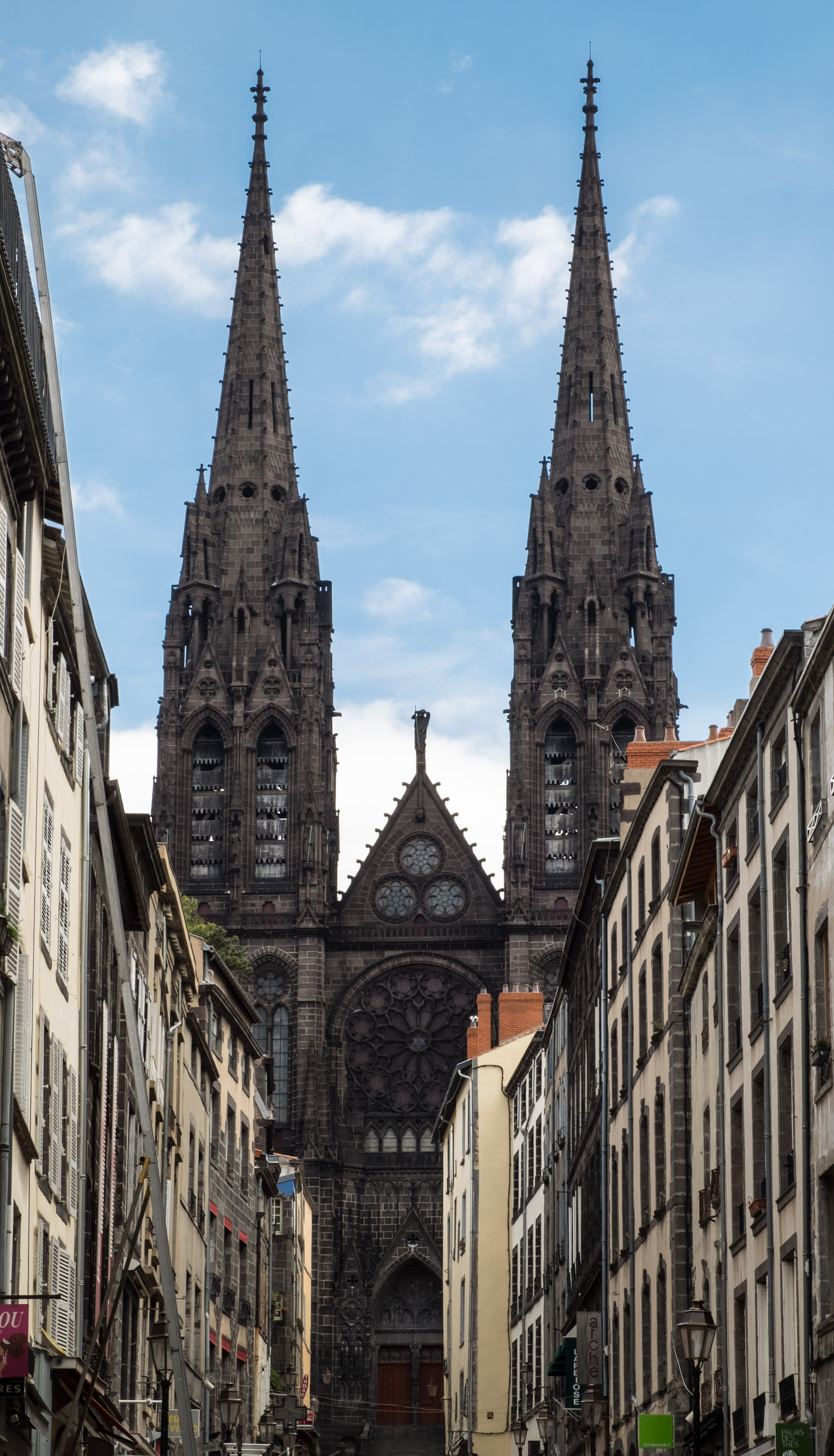 """Setting the record straight on Clermont-Ferrand - one of France's """"best places to live"""" - Deep Heart of France"""