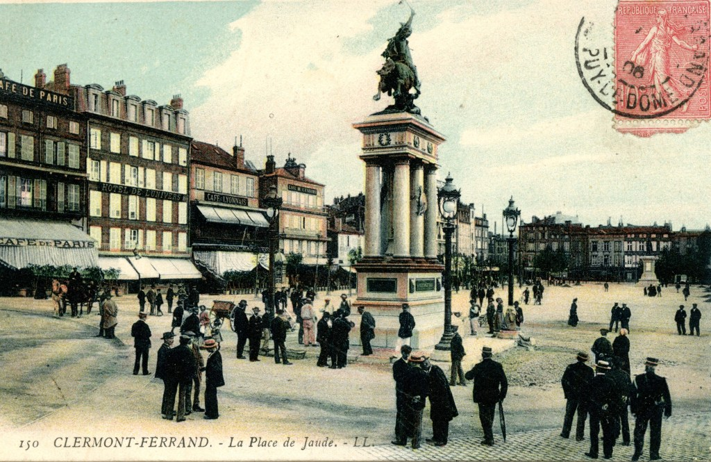Place de Jaude Bartholdi Clermont Clermont-Ferrand Auvergne Vercingetorix Sculpture