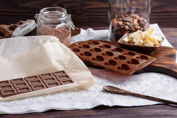 Kuinka tehdä luonnollista suklaata kotona