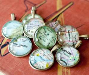 personalized-map-pendant