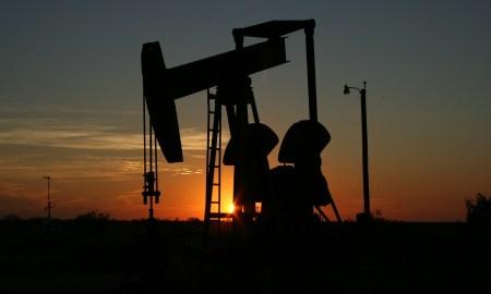 اتفاق تاريخي قد يرفع أسعار النفط