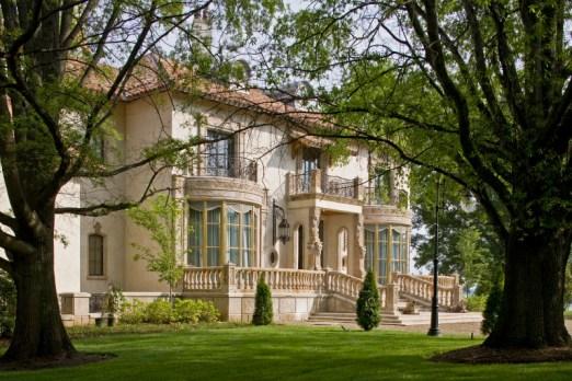 Chateau Lyon - Fryday & Doyne