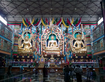 18 meters high gold-plated statues at Namdroling monastery, things to do in coorg, places to visit in coorg