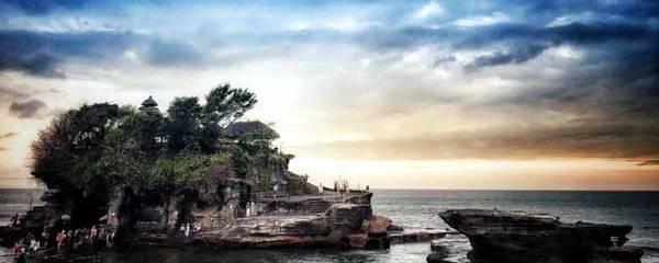 featured image bali luhur uluwatu temple laid back traveller laidbacktraveller.com