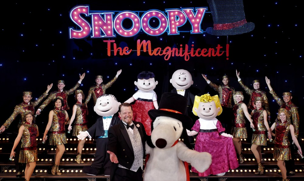 Knotts Berry Farm: Snoopy's Magical Musical Revue