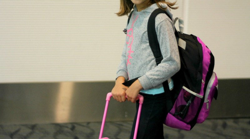 7 Ways to Keep Kids Busy While Traveling
