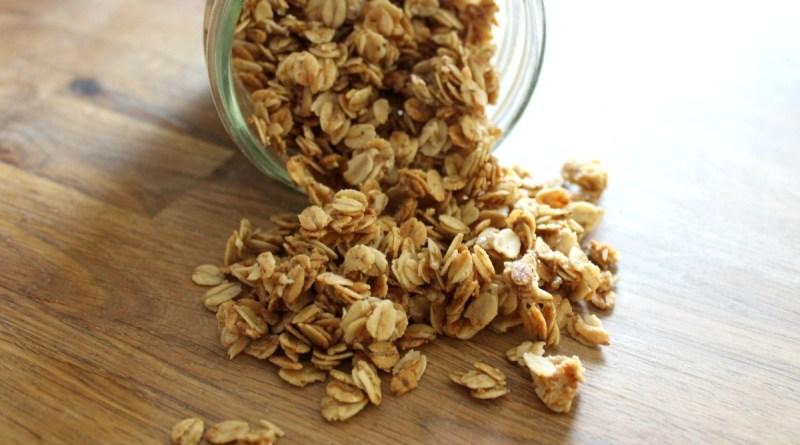 Easy Homemade 5 Ingredient Honey Granola