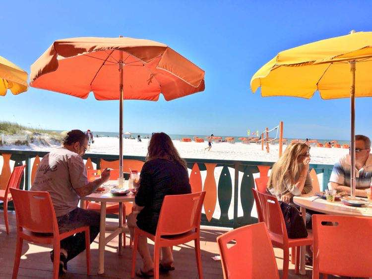 Places to Eat in Florida : amazing beach view at Frenchy's in Clearwater Beach