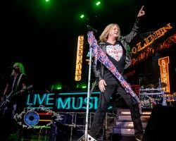 Joe Elliott of Def Leppard. Photo by Sean Derrick/Thyrd Eye Photography