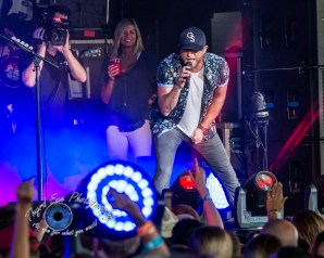 Cole Swindell performing in Saint Louis on Saturday. Photo by Sean Derrick/Thyrd Eye Photography.