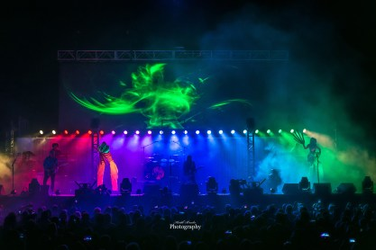 El Monstero performing at Hollywood Casino Amphitheatre. Photo by Keith Brake Photography.
