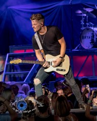 Chase Bryant performing at Hollywood Casino Amphitheatre in Saint Louis. Photo by Sean Derrick/Thyrd Eye Photography.