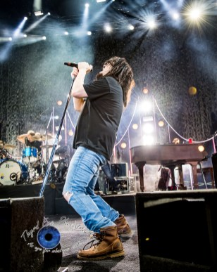 Counting Crows performing at Hollywood Casino Amphitheatre Tuesday. Photo by Sean Derrick/Thyrd Eye Photography.