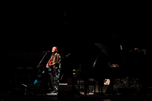 David Gray performs at the Peabody Opera House. Photo by Ryan Ledesma.