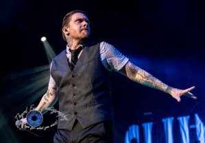 Shinedown performing in Saint Louis. Photo by Sean Derrick/Thyrd Eye Photography