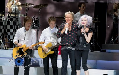 Rod Stewart and Cyndi Lauper performing together at Hollywood Casino Amphitheatre in Saint Louis Sunday. Photo by Sean Derrick/Thyrd Eye Photography.