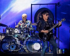 Journey performing Friday night at Busch Stadium. Photo by Sean Derrick/Thyrd Eye Photography.