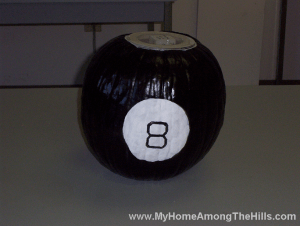 Magic 8 ball from pumkpin