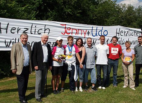 wpid-468Olympia-Helden-unter-Jubel-empfangen-2011-07-5-17-44.jpg