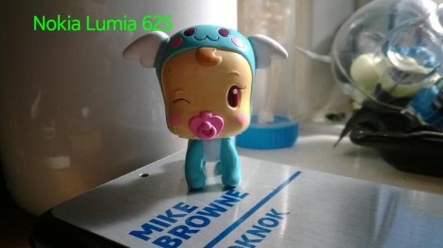 Nokia_Lumia_625-Closeup-02