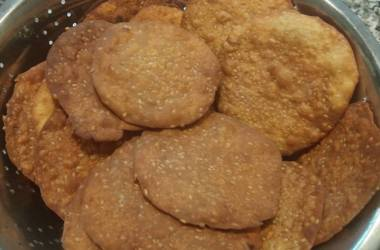 Sweet and Crispy Parsi Puri – Tal Papra
