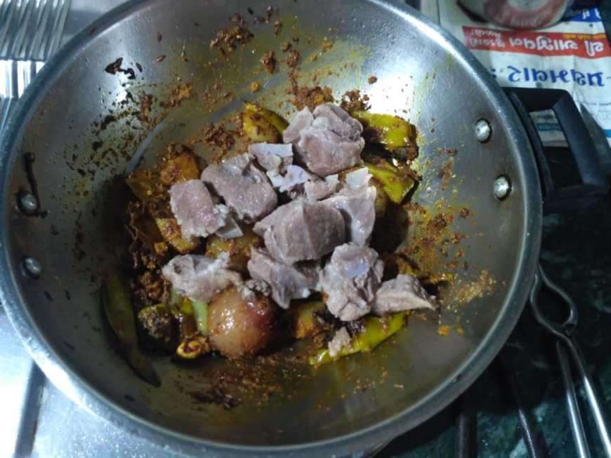 9. Add boiled mutton pieces
