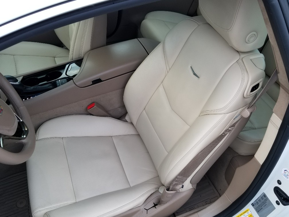 2016 ELR White front seats