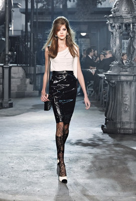 Chanel_runway_fashion_magazine_social (10)