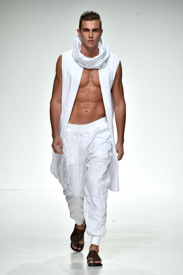dubai-fashion-runway-MashaelAl Rajhi (2)