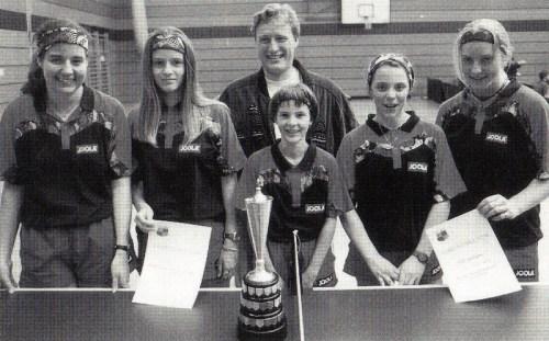 Der Deutsche Mannschaftsmeister der Mädchen 1994 mit seinem Betreuer Heiko Schuler v.l.n.r.: Dorit Eckhardt, Silke Zeyher, Miriam Braun, Agnes Herzberg und Katrin Mayser