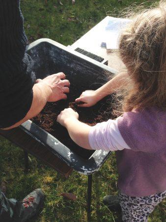 Atelier jardinage de'un potager au carré