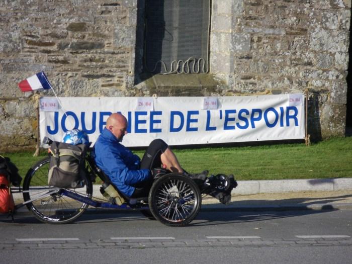 Périple de Renaud Labrunie en tricycle Couché pour Leucémie Espoir