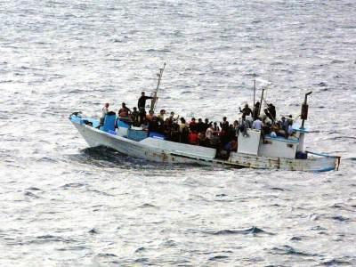 Permalink to: Governo responsabile di un respingimento collettivo. Ministri ancora in fuga dalle loro responsabilità. Perchè esiste la giurisdizione italiana anche nella zona contigua alle acque territoriali.