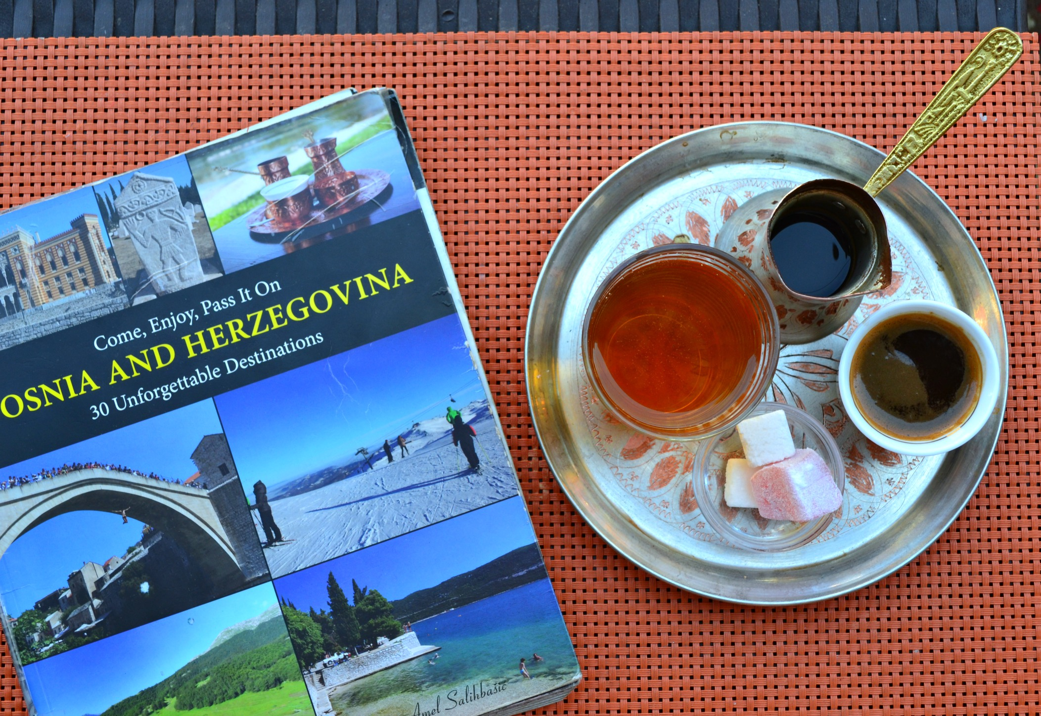 Bosnian coffee and Turksih delight