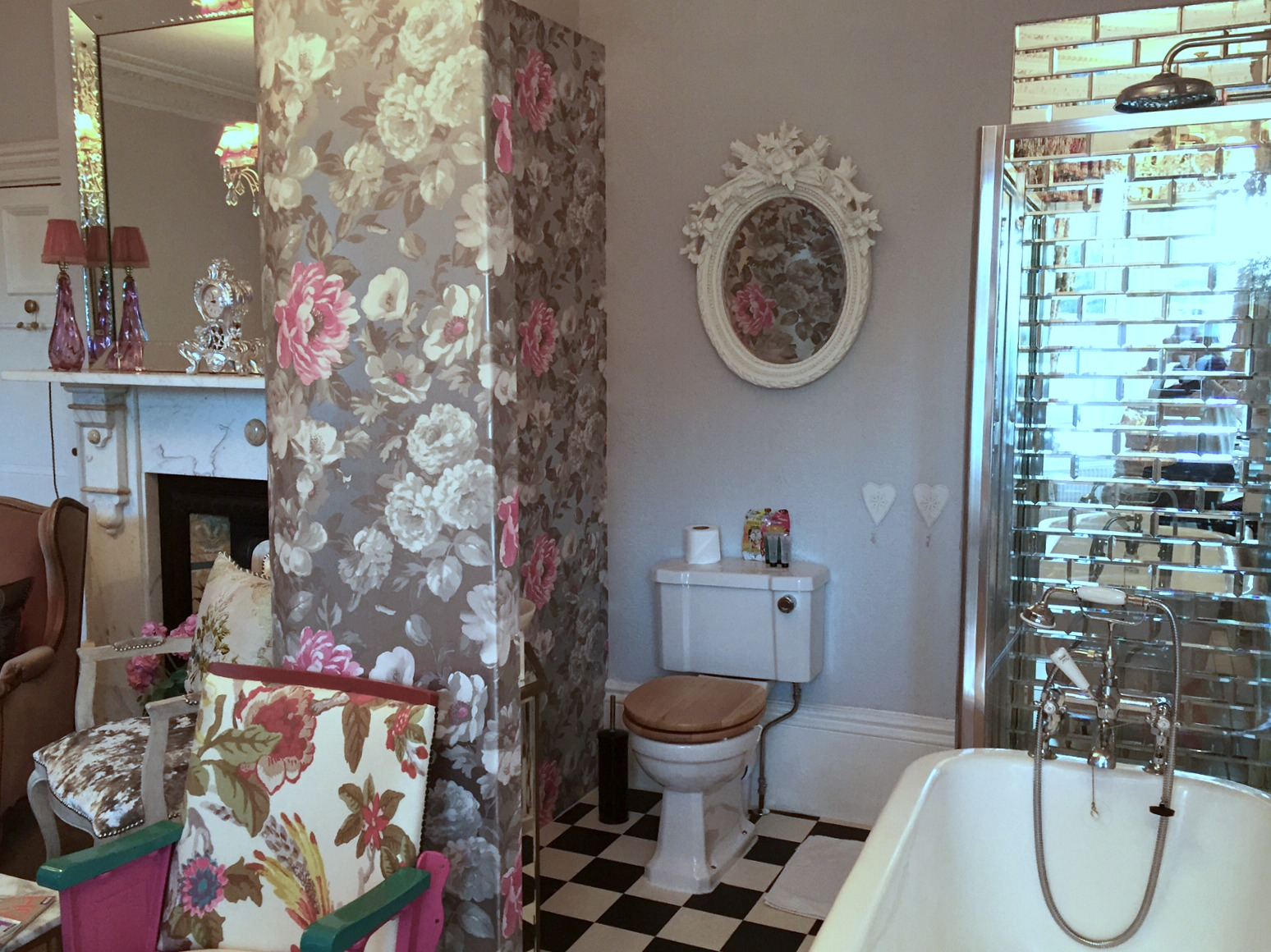 The Rosebery Hotel bathroom