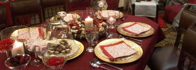 Table mise pour les brunchs de l'Avent
