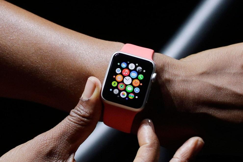 apple-watch-vogue-ad-1-1500x1000
