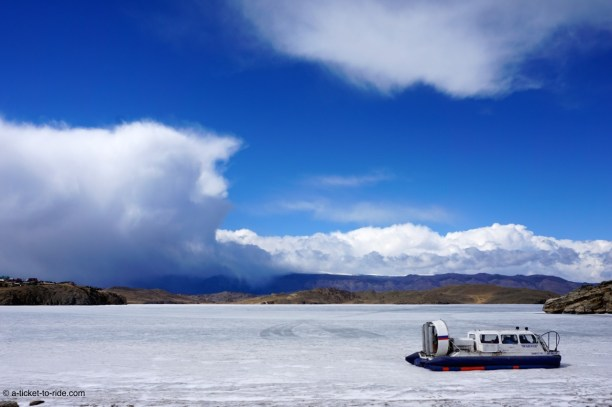 Russie, Baikal, traversée hydroglisseur